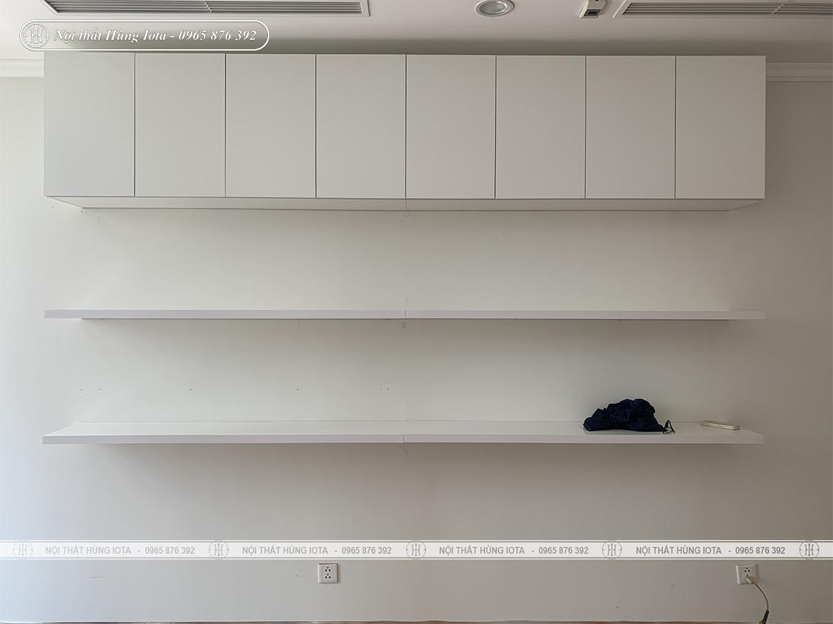 Tủ trưng bày sản phẩm spa treo tường màu trắng