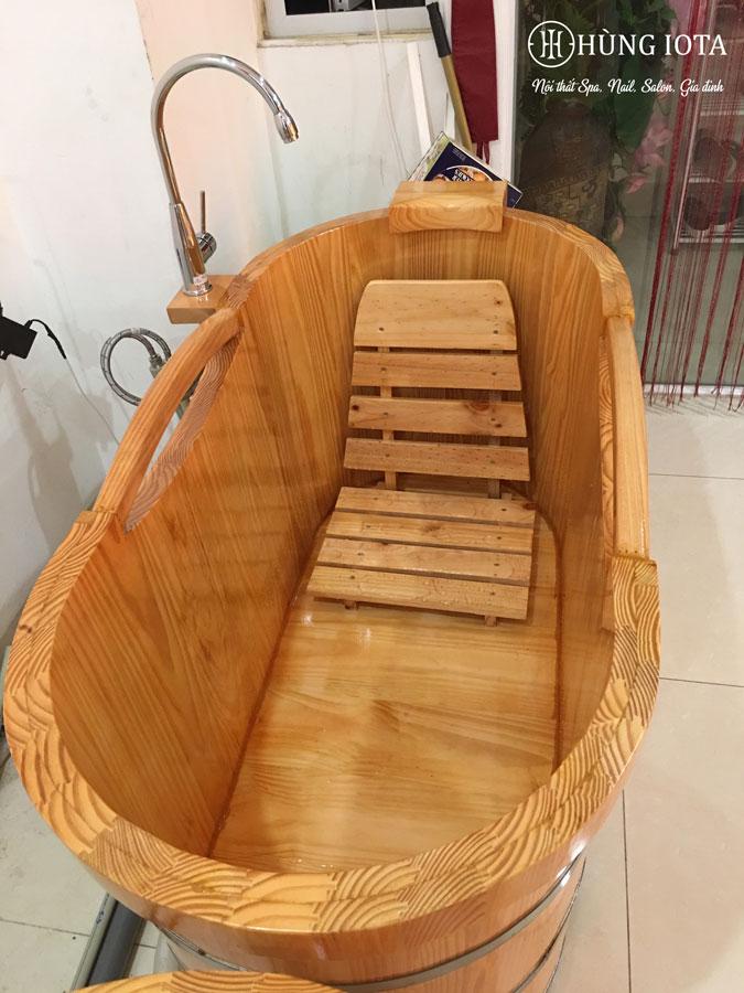 Bồn tắm gỗ dài cho spa có tay vịn đẹp giá rẻ