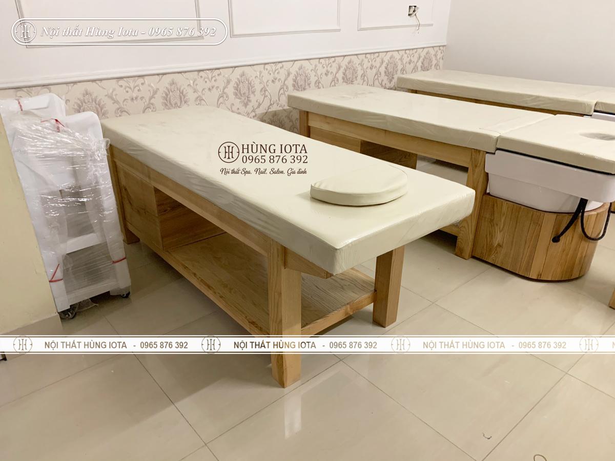 Giường massage body gỗ sồi màu vàng vân gỗ ở Hải Dương