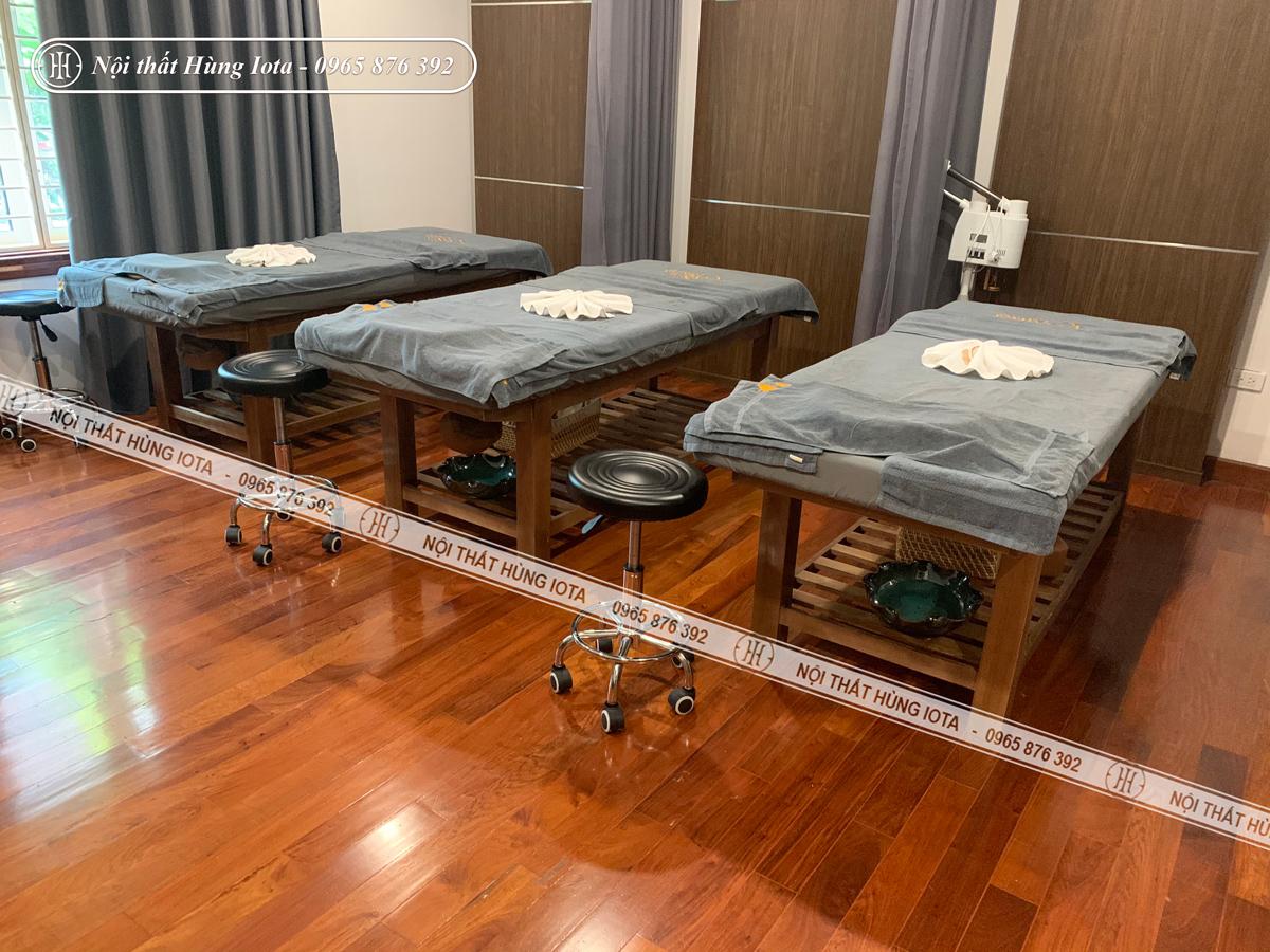 Giường massage body màu hạt dẻ gỗ sồi đẹp sang trọng tại Hà Nội