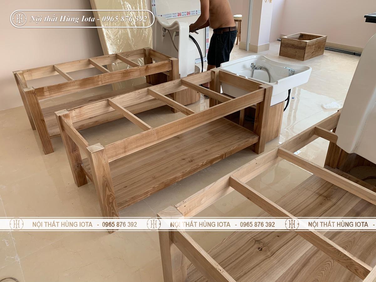 Lắp đặt giường gội đầu dưỡng sinh bồn sứ khung gỗ sồi