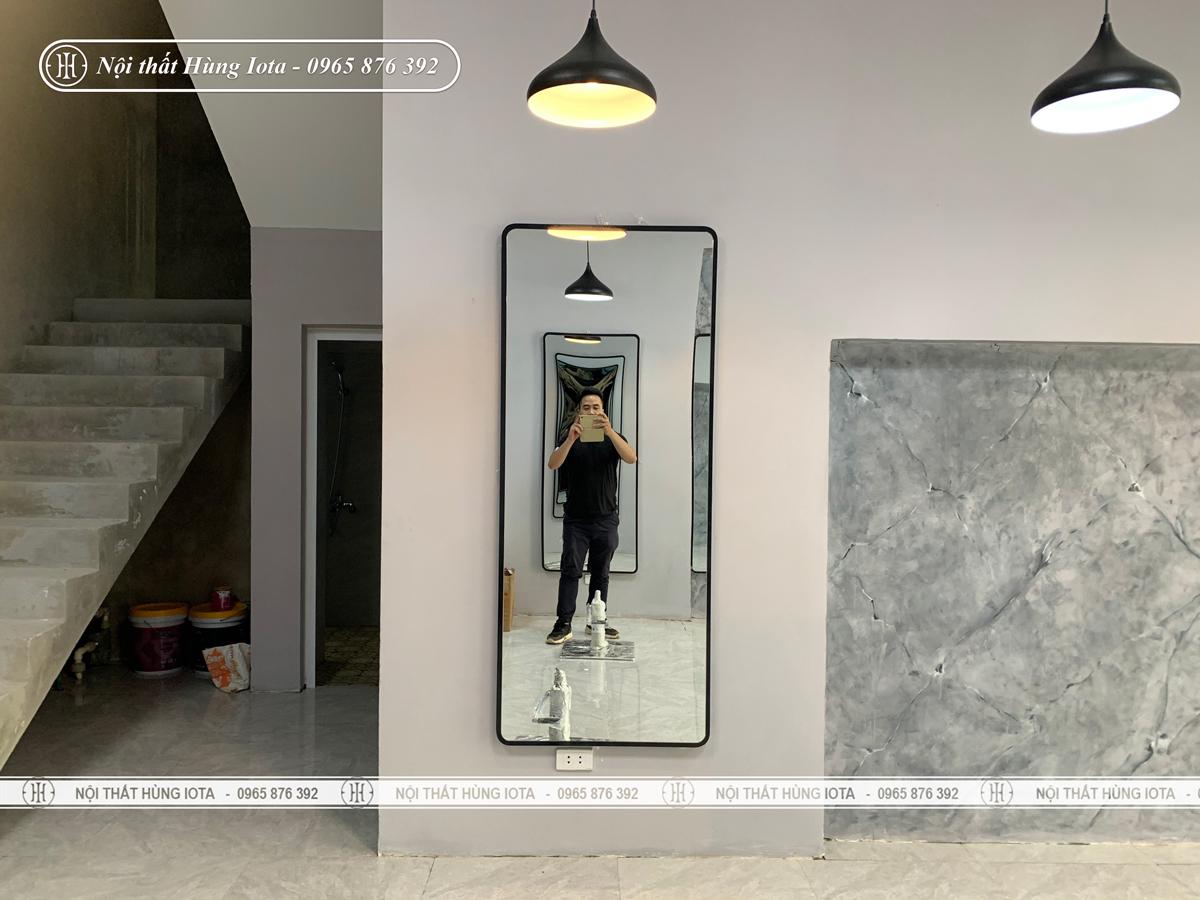 Lắp đặt gương cắt tóc hình chữ nhật đẹp giá rẻ