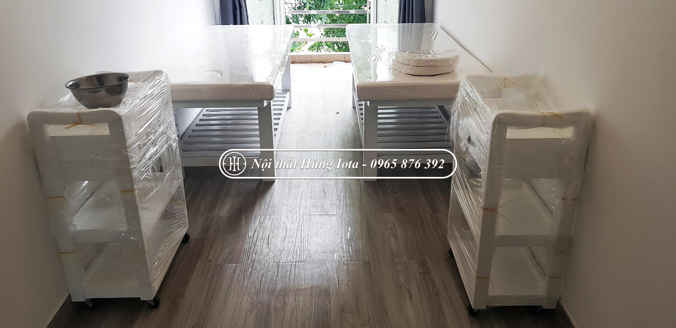 Lắp đặt nội thất spa gồm giường ghế xe đẩy spa ở Long Biên
