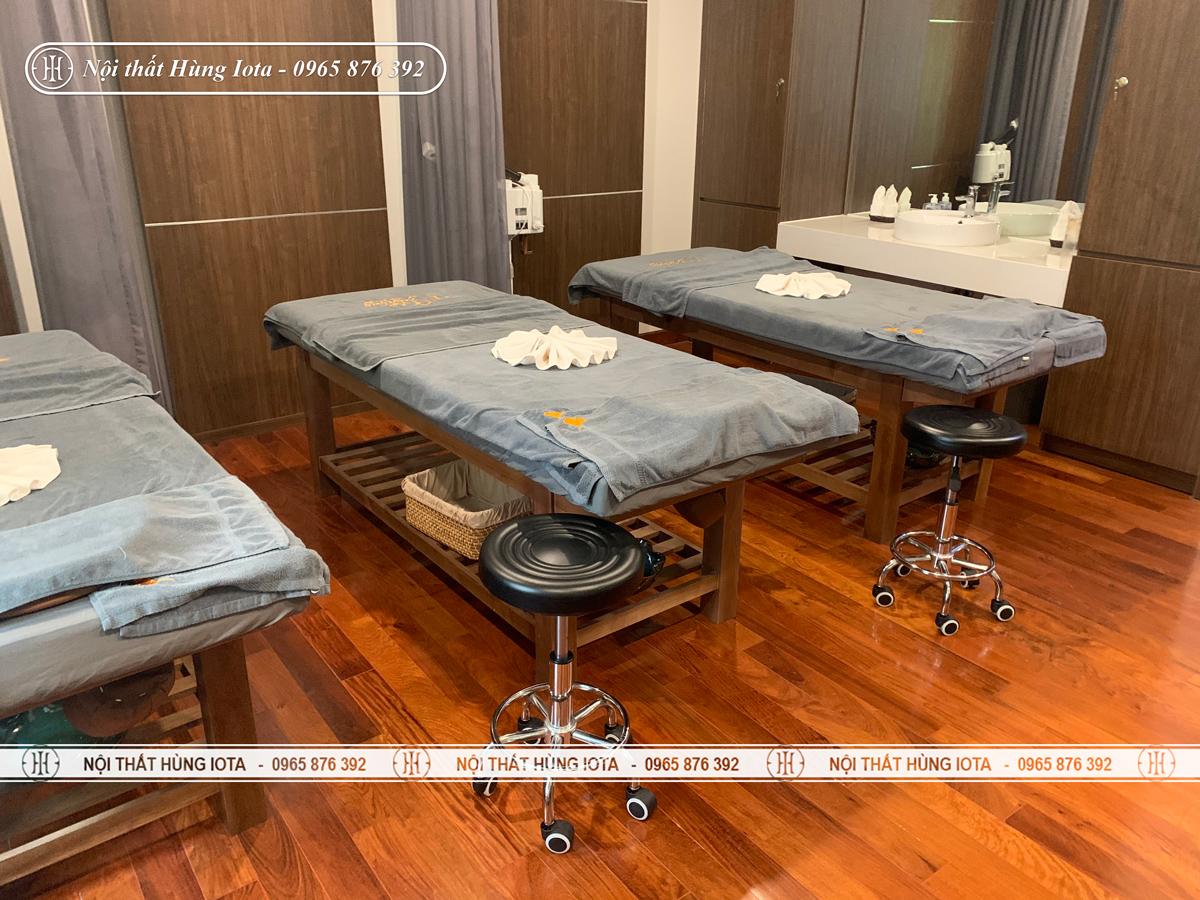 Lắp đặt nội thất spa tại Nguyễn Thị Thập, Cầu Giấy màu hạt dẻ