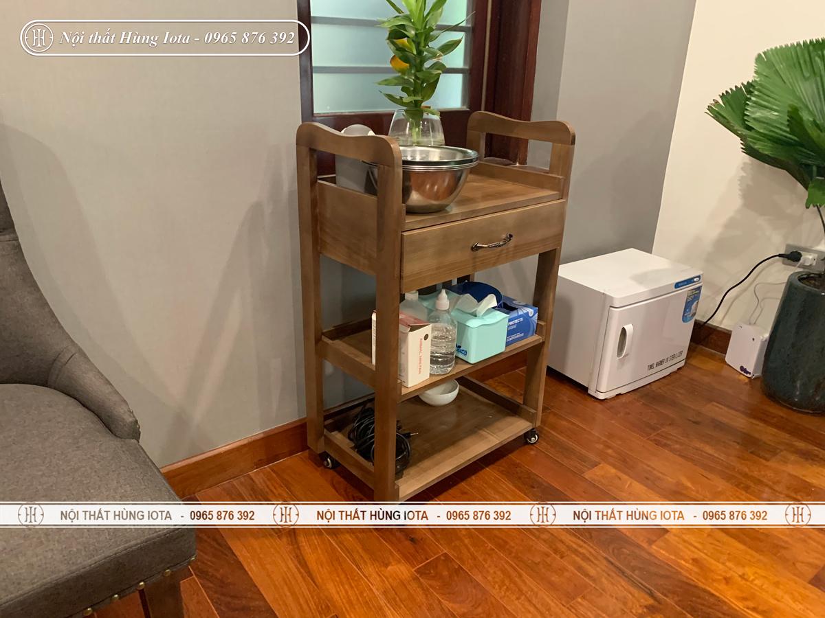 Xe đẩy spa màu nâu hạt dẻ nhạt lắp đặt tại Hà Nội