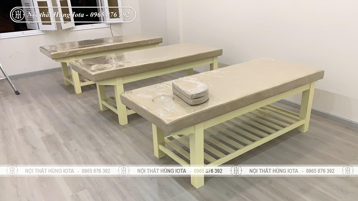 Giường massage body màu be lắp đặt cho thẩm mỹ viện ở Đống Đa