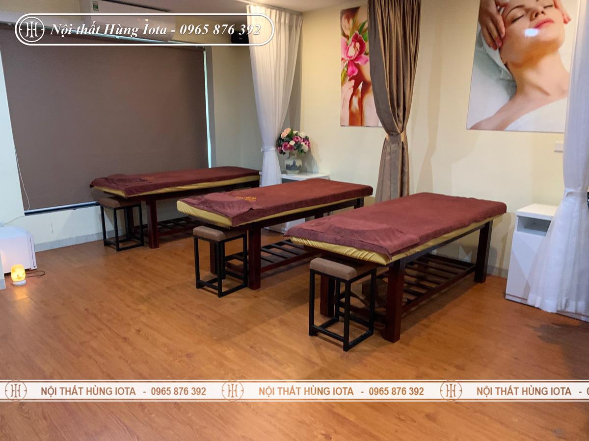 Giường massage body màu nâu tại Ecopark