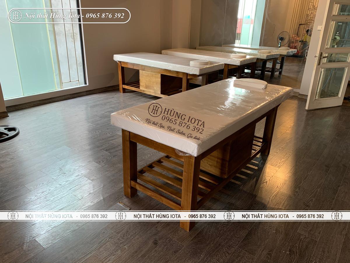 Giường spa gỗ sồi giá rẻ màu hạt dẻ đẹp sang trọng