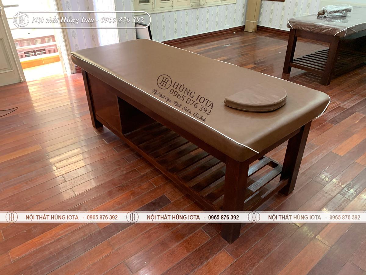 Giường spa màu nâu có tủ gỗ sồi đẹp sang trọng giá rẻ