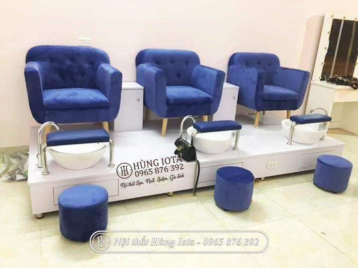 Ghế nail bọc nỉ màu xanh tại xưởng