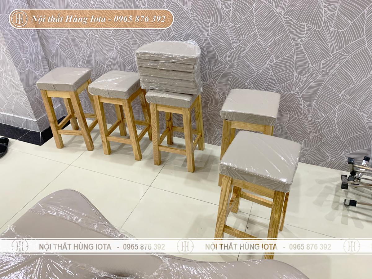 Ghế gỗ spa cho kỹ thuật viên đẹp giá rẻ màu gỗ