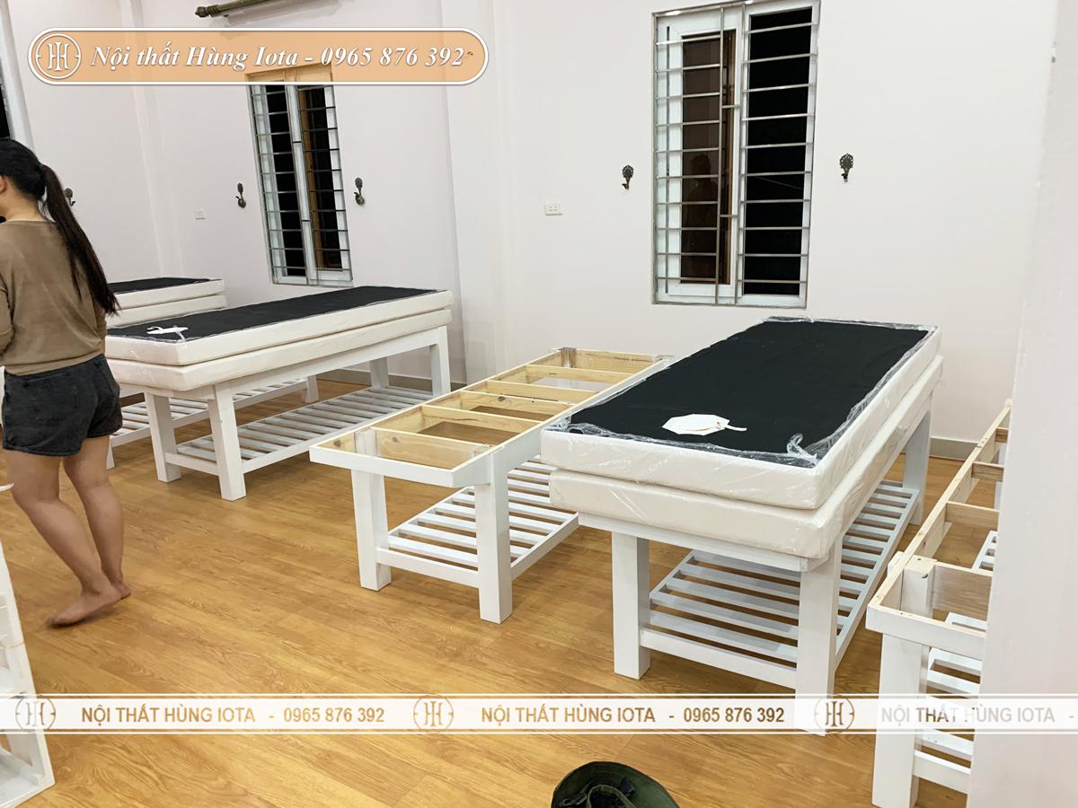 Giường spa gỗ sồi màu trắng giá rẻ tại Uông Bí, Quảng Ninh
