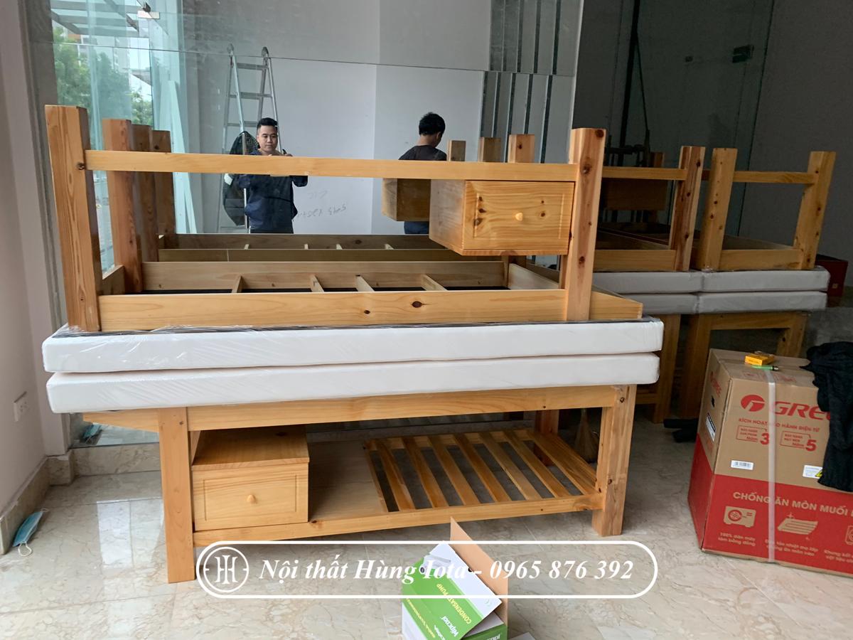Giường spa gỗ thông tủ nhỏ lắp đặt cho TMV ở Cầu Giấy, Hà Nội