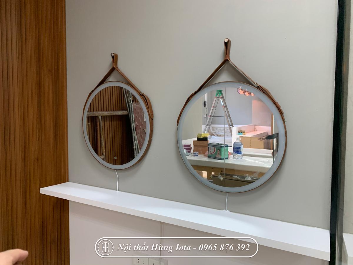 Gương cắt tóc - trang điểm hình tròn ở Cầu Giấy
