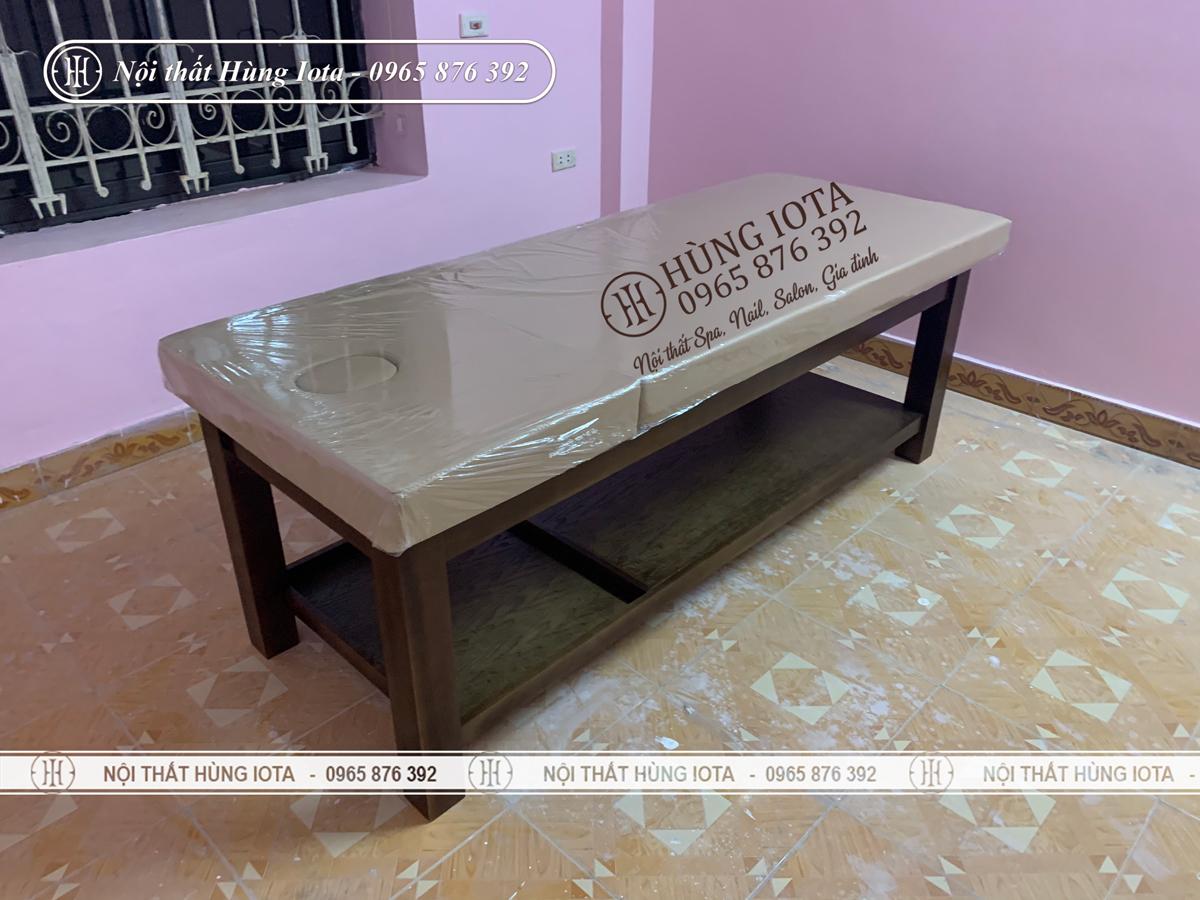 Lắp đặt nội thất phòng massage cho khách sạn gồm ghế và giường spa