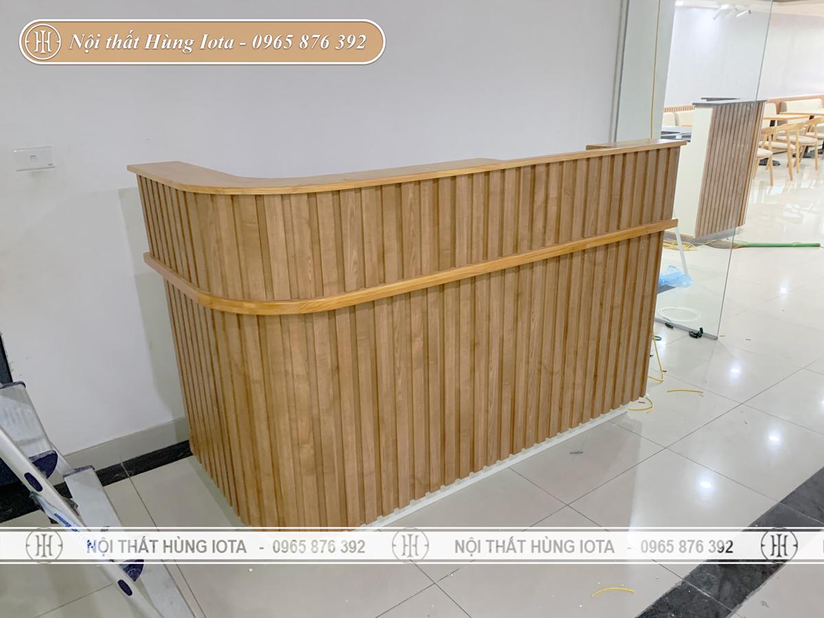 Quầy thu ngân spa màu gỗ cho Ann's House ở Mỹ Đình