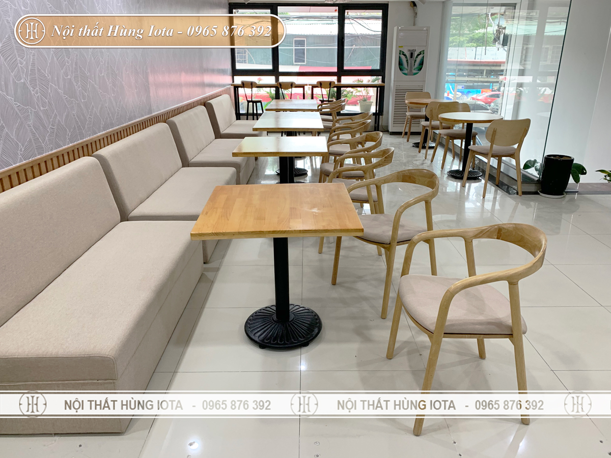 Thiết kế nội thất cafe màu vàng gỗ tự nhiên đẹp sang