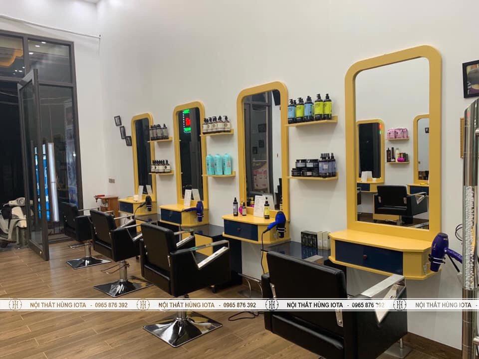 Gương cắt tóc liền tủ màu vàng trẻ trung