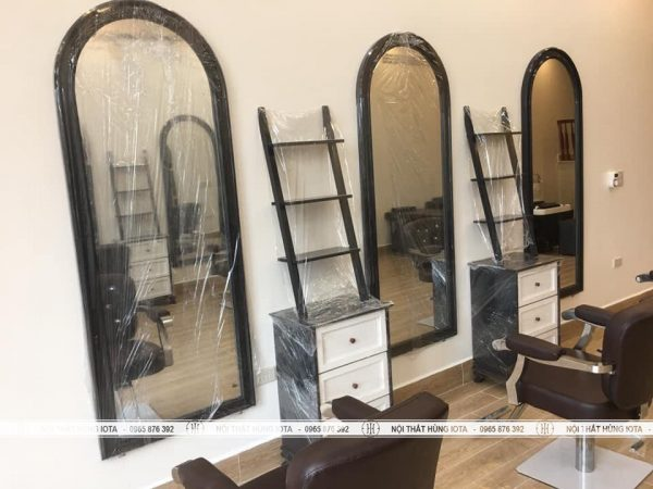 Gương vòm cắt tóc khung đen cho tiệm salon