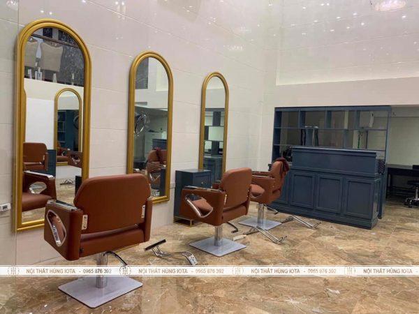 Gương vòm cắt tóc viền vàng theo yêu cầu