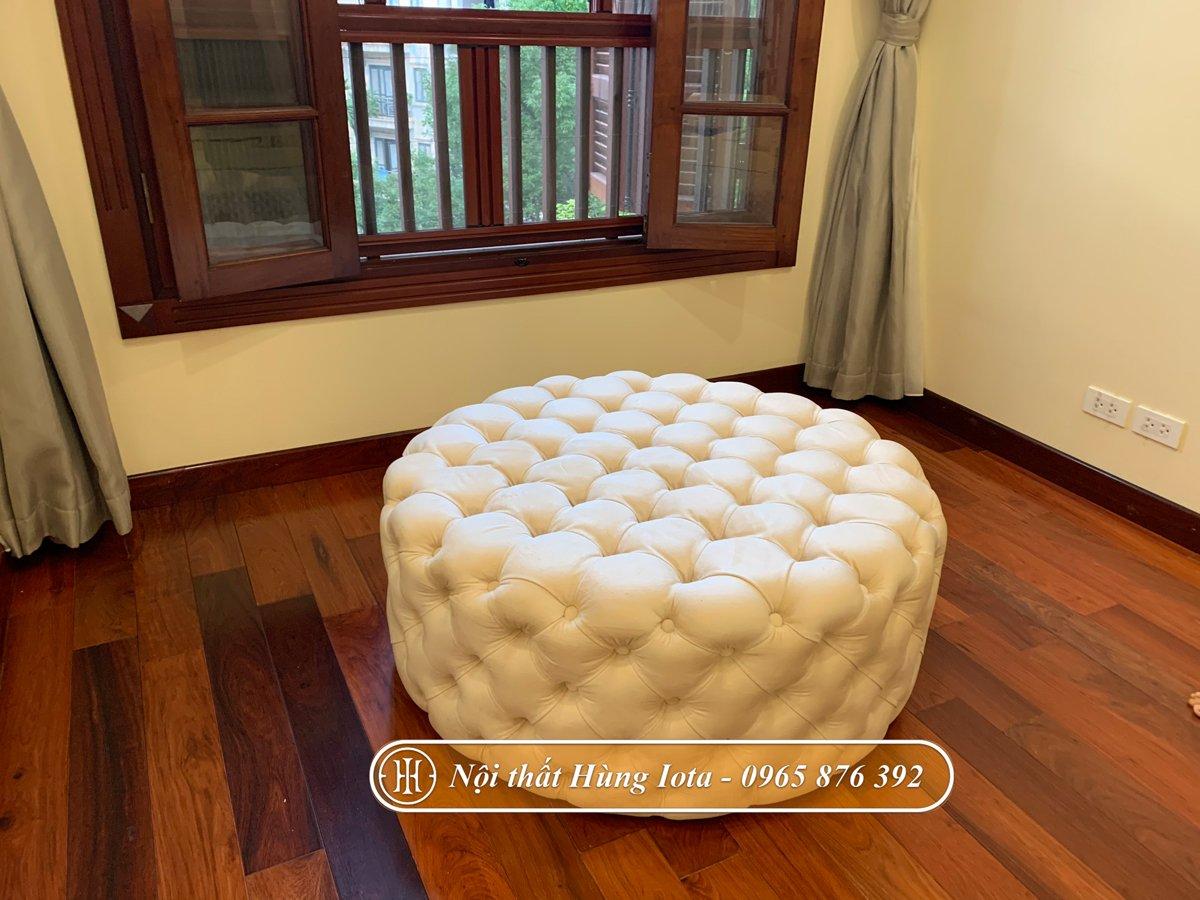 Đôn ghế sofa màu trắng gấp quả trám
