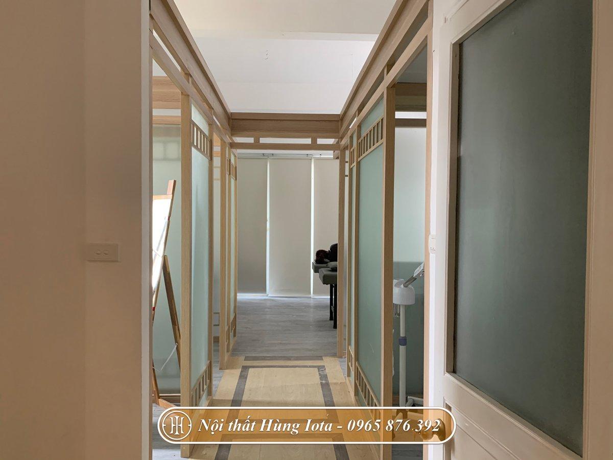 Hệ thống cửa màu gỗ theo yêu cầu