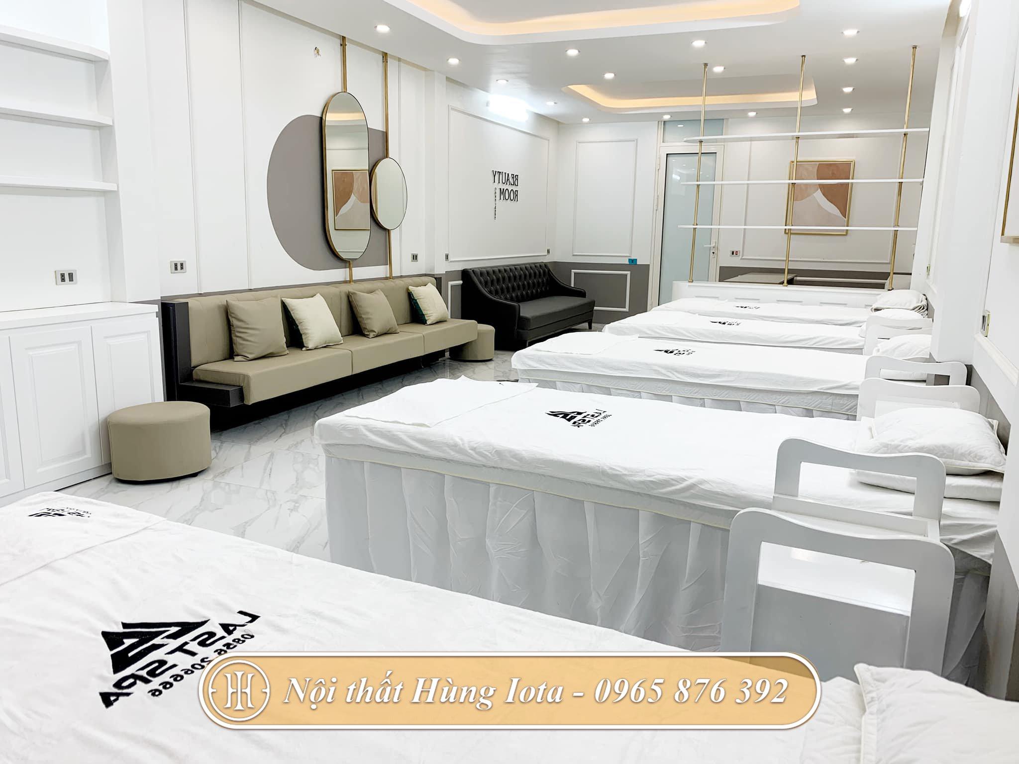 Lắp đặt giường spa ở Đông Anh màu trắng