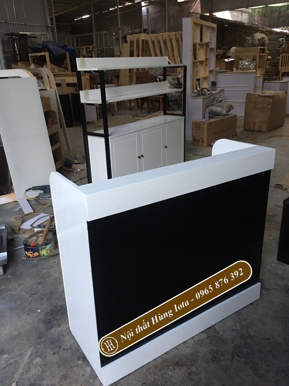 Mẫu quầy thu ngân sản xuất tại xưởng