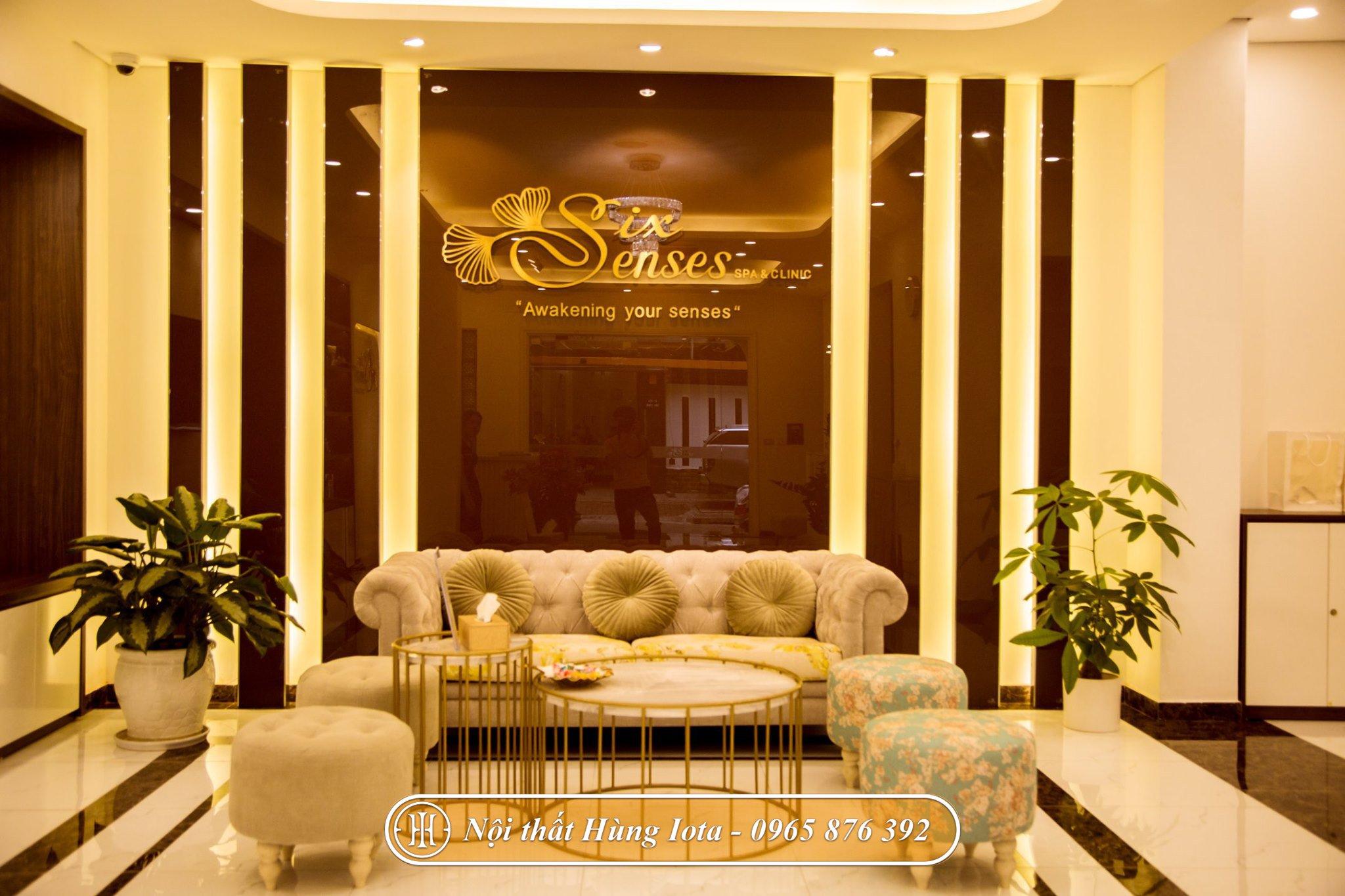 Sofa tân cổ điển tại sảnh cho Six Sense Beauty & Clinic