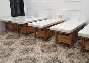 Thumb lắp đặt nội thất spa ở Hoàng Cầu màu gỗ trầm