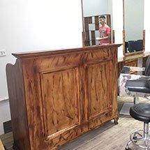 Quầy lễ tân salon, tiệm barber màu gỗ cháy QNT30