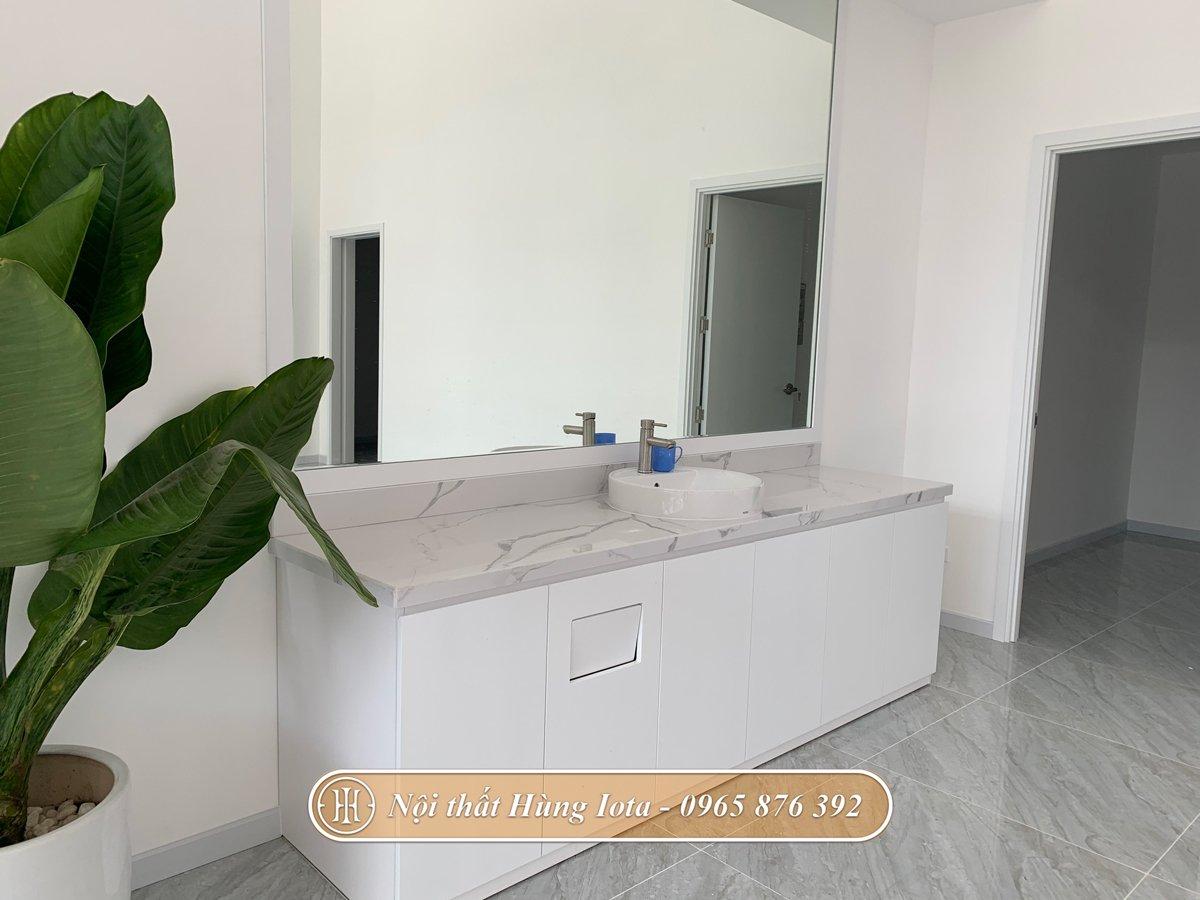 Bồn rửa có tủ dưới thuận tiện dễ dùng