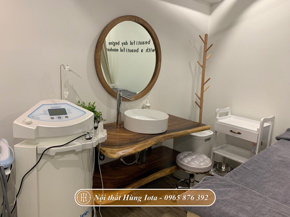 Bồn rửa và gương cho phòng spa