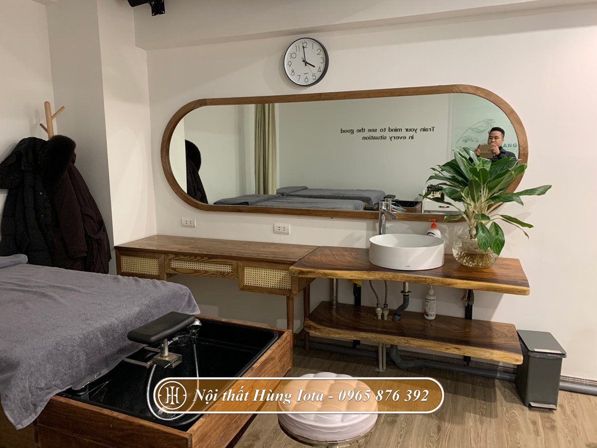 Gương dài viền cong decor nhẹ nhàng