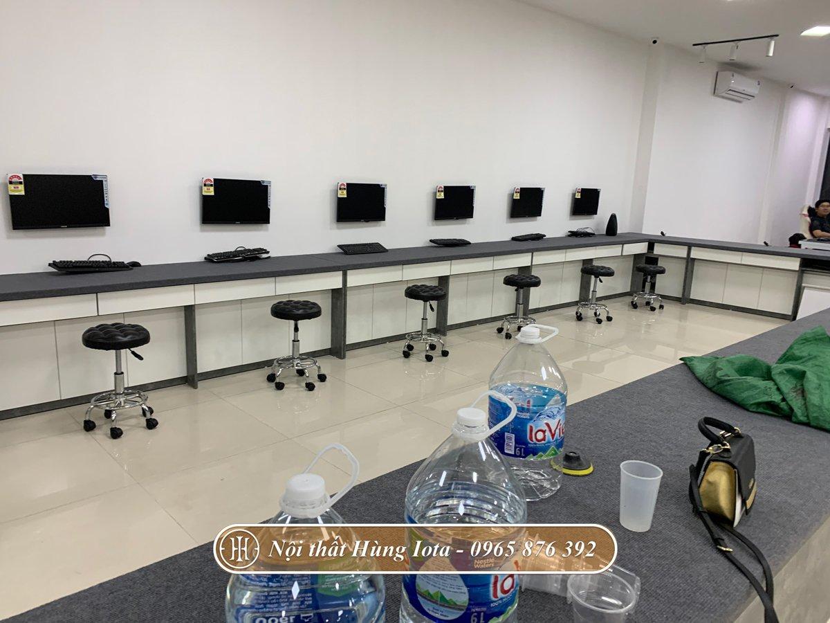 Hệ thống ghế inox tại Nguyễn Công PC