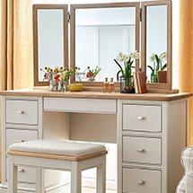 Bàn gương trang điểm màu trắng ngà nhã nhặn tinh tế BTD36