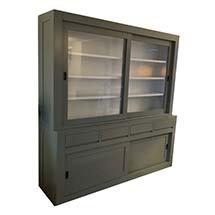 Tủ kính đa năng 4 tầng màu xanh rêu cho spa, tiệm nail, tiệm tóc TSP79
