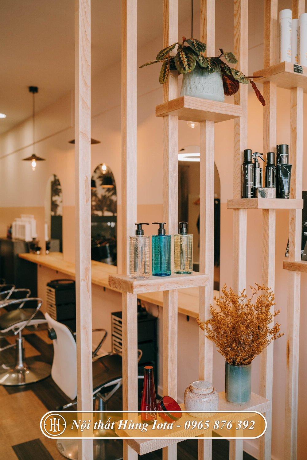 Vách ngăn gỗ decor cho các cửa hàng