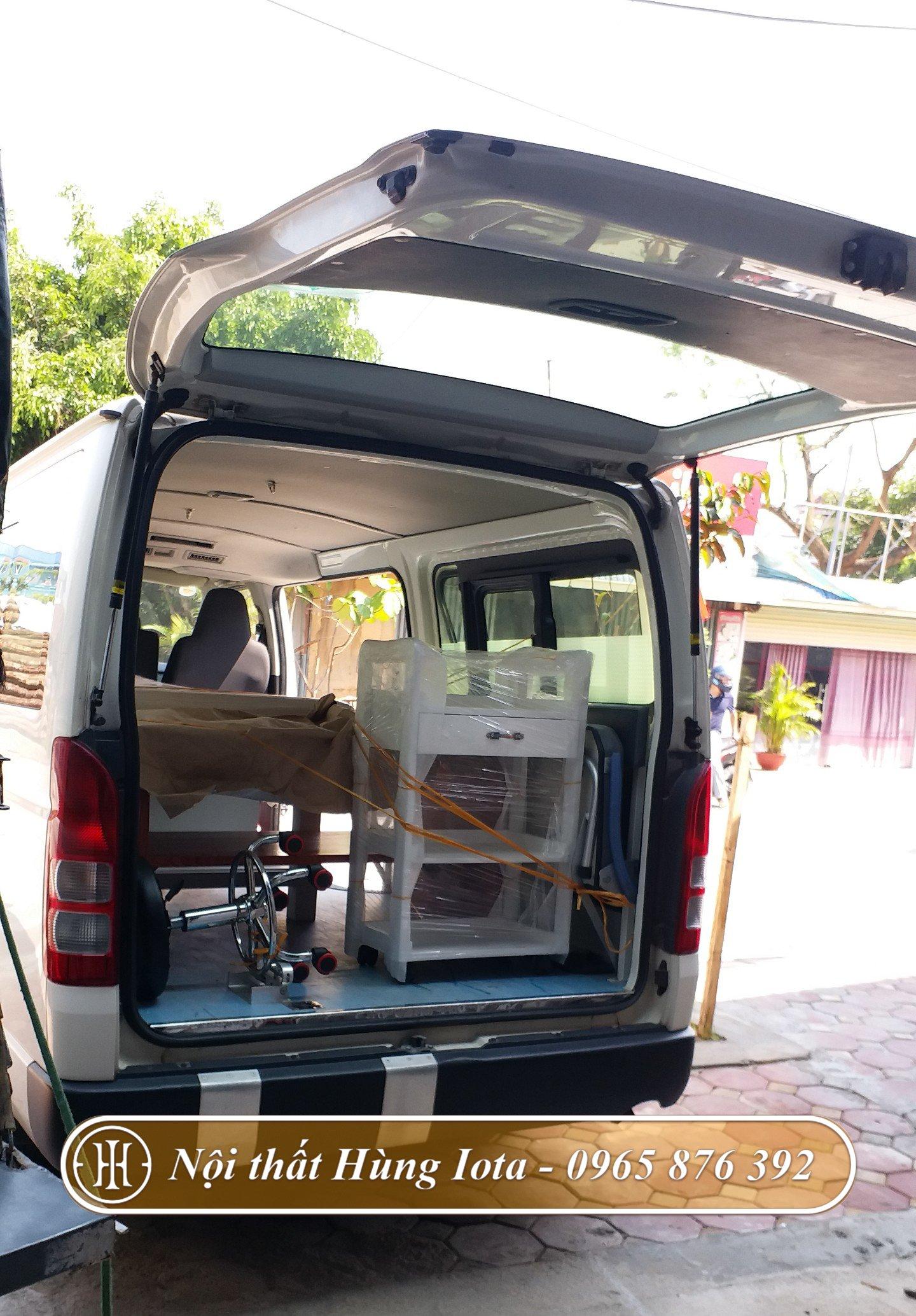 Xe đẩy đựng dụng cụ y tế cho Bệnh viện Y Dược cổ truyền Vĩnh Phúc