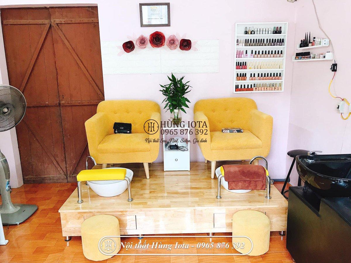 Ghế làm nail màu vàng thiết kế đơn giản, nhỏ gọn, giá tốt GNN04