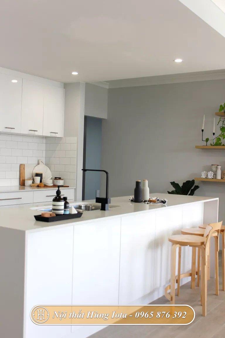 Thiết kế nhà bếp tone màu trắng tinh tế