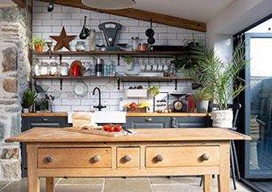 Thumb decor nhà bếp bằng đảo bếp gỗ tự nhiên