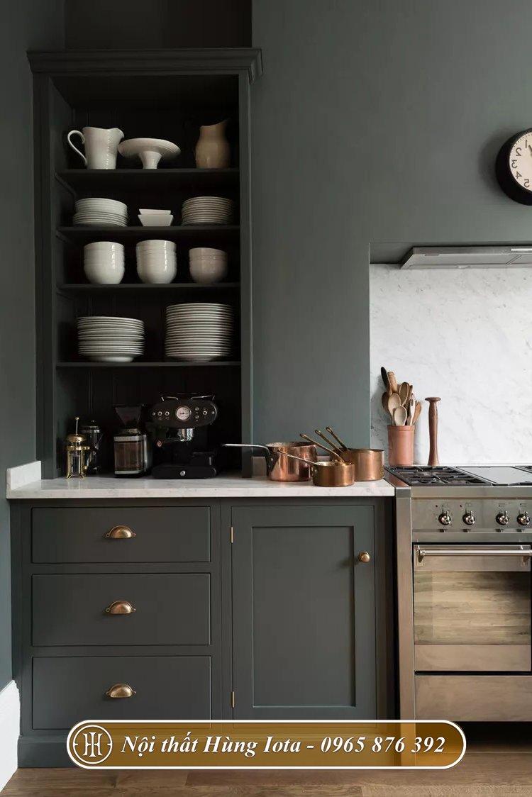 Tủ bếp gỗ màu đen decor sang trọng