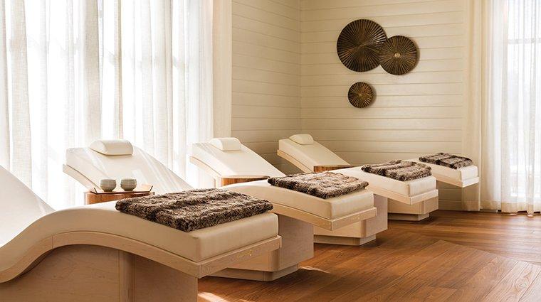 Giường massage body hiện đại màu trắng