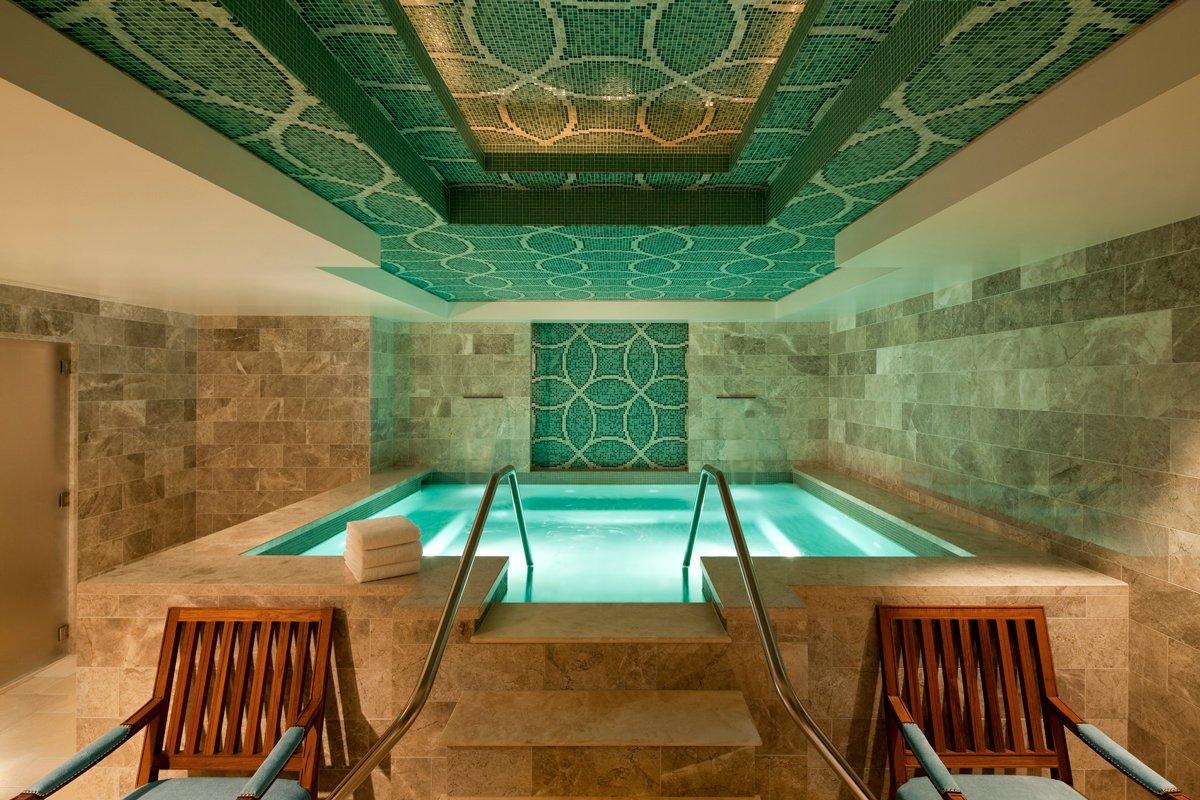Thiết kế spa có bể bơi tiện nghi hiện đại
