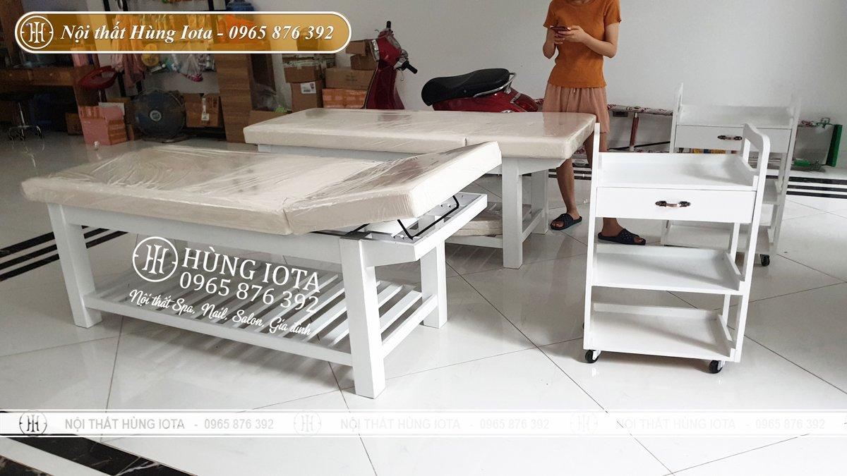 Giường spa gỗ thông màu trắng hiện đại