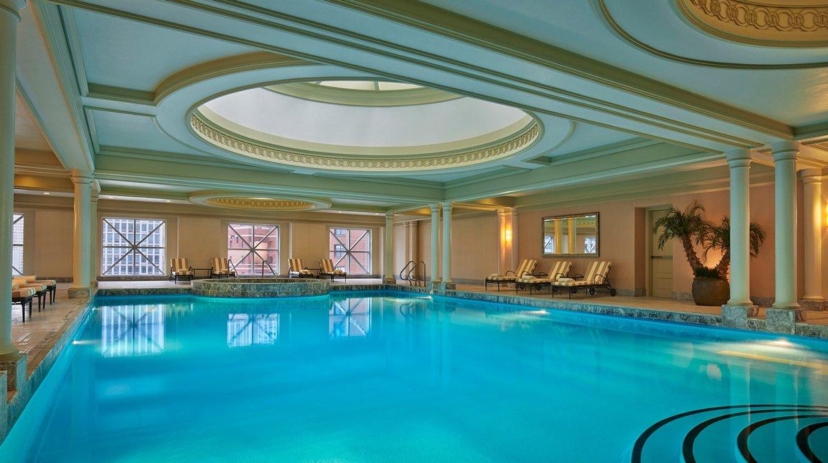 Thiết kế spa có bể bơi trong nhà sang trọng, đẳng cấp
