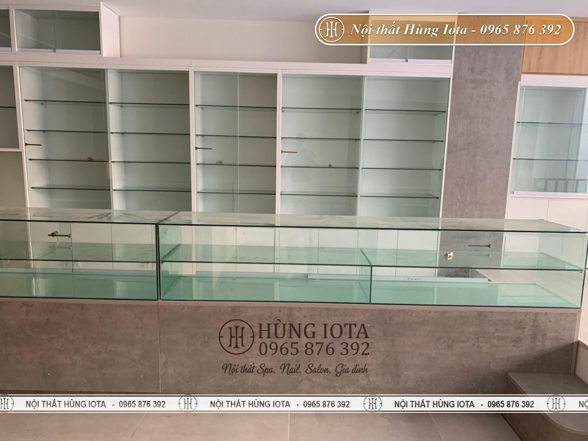 Tủ kính trưng bày mỹ phẩm cho cửa hàng