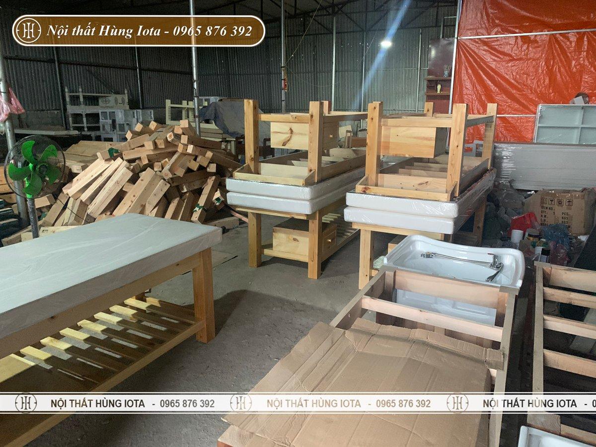 Xưởng sản xuất giường spa gỗ thông giá rẻ