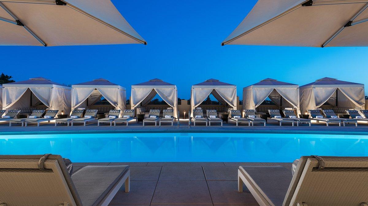Bể bơi ngoài trời cho spa tổng hợp